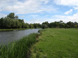 Approaching Fen Ditton