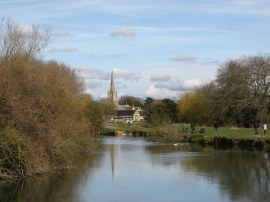 Approaching Lechlade