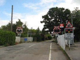 Level Crossing by Shiplake Station