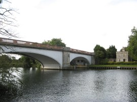 Albert Bridge, Datchet