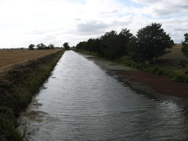 Royal Military Canal by St Rumwold's Church